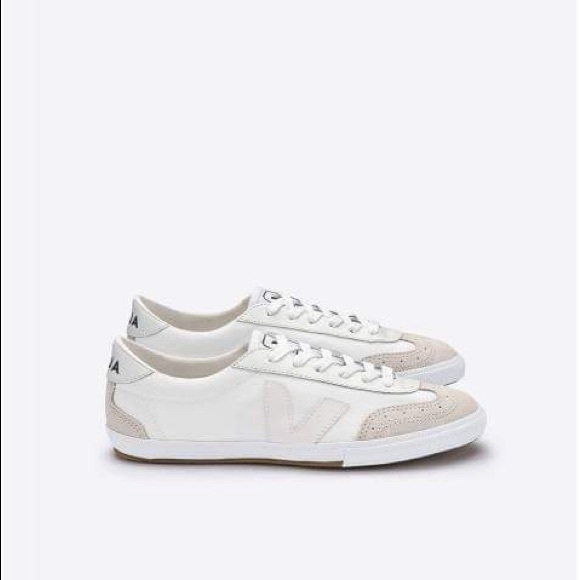 Sophie recomendar Ecología  Veja Shoes | Veja Volley White Sneakers | Poshmark
